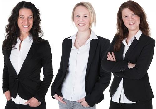 Drei neue secova-Teammitglieder. Cinzia Tommasi, Adelina Miller und Patricia Keck (v.l.)